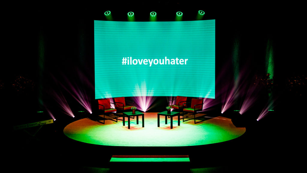 iloveyouhater-stage