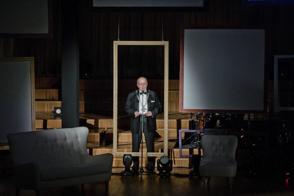 stage-frame-speeche